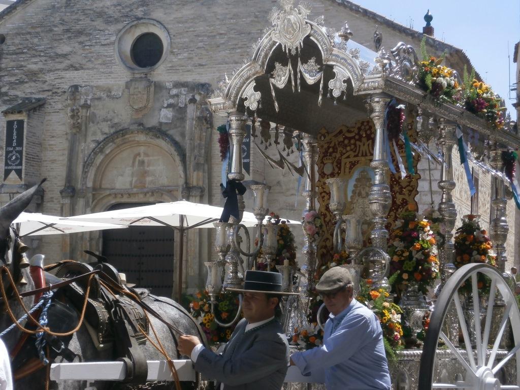 La hermandad del Rocio se despide de la Virgen de Araceli