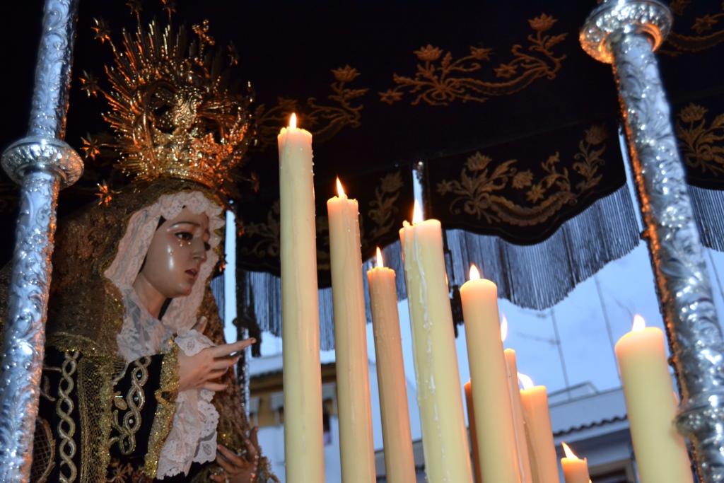 Sabado Santo: Procesión de la Virgen de la Soledad 2015