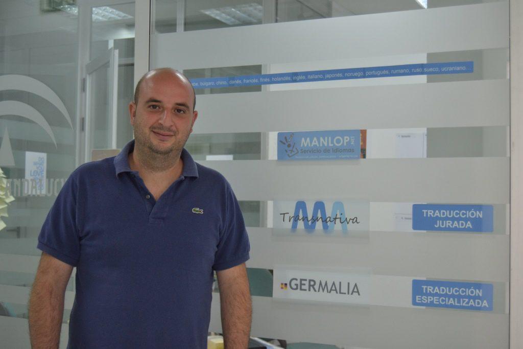 EMPRENDEDORES LUCENTINOS: Manlop nos muestra su Agencia de Traducción