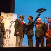 Insignia de Oro para Joaquin Cantero García por la Peña Flamenca de Lucena