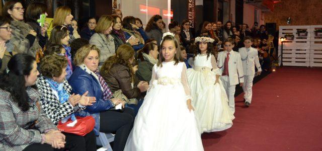 Desfile de trajes de comunión organizado por Carmen Boutique, Parraga Fotografía y López Peluqueros