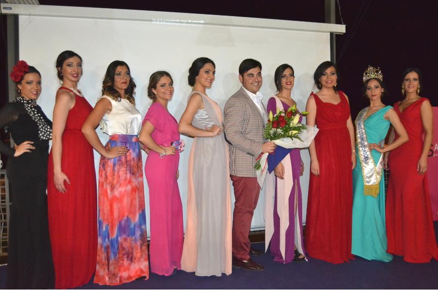 Espectacular Desfile de moda y tocados del Desván en Mencía Subbética
