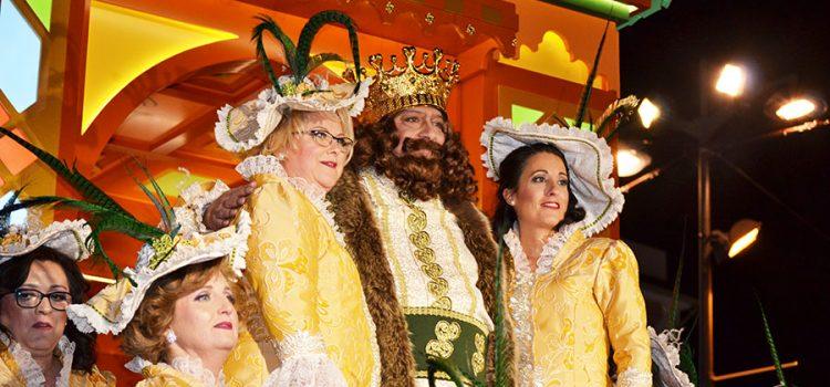 Sus Majestades Melchor, Gaspar y Baltasar traen su magia a la Cabalgata de la Ilusión de Lucena