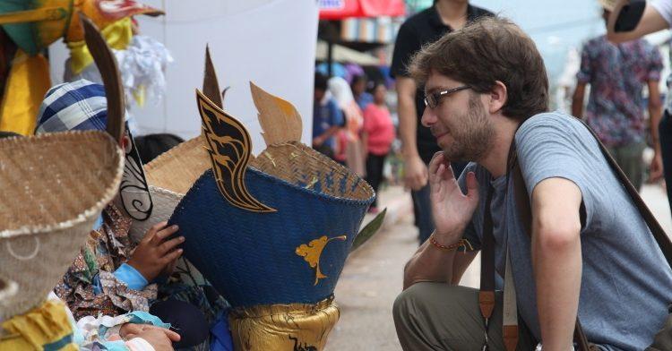 Entrevistamos a Gaspar Ruíz-Canela y hablamos de sus crónicas desde Tailandia