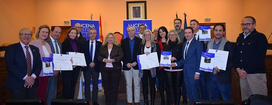 El Ayuntamiento hace entrega de los distintivos de calidad turística Sicted a empresarios y agentes turísticos de Lucena