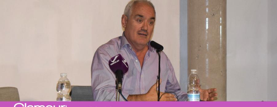 Asistimos a la Conferencia » No estamos locos » del Doctor José Cabrera Forneiro