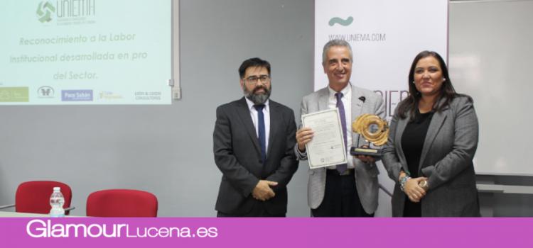 Uniema premia al Ayuntamiento de Lucena por su apoyo al sector de la madera y el mueble