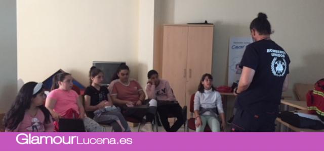 INFO: Bomberos Unidos Sin Fronteras difunde su actividad solidaria entre los menores de Lucena