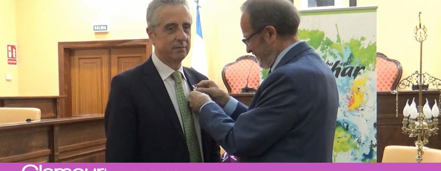 El alcalde de Lucena se convierte en embajador de Córdoba en Azahar