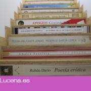 La Biblioteca Municipal viste sus escaleras de literatura