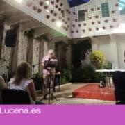 Luis Felipe Comendador recita sus poemas «Estrafalarios» en la Casa de los Mora