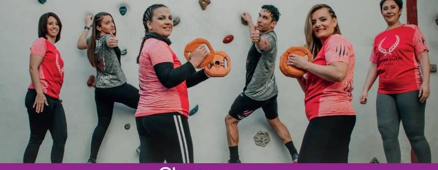 Los usuarios de Hermes Gym posan en un calendario solidario a beneficio de AECC y ALUFI
