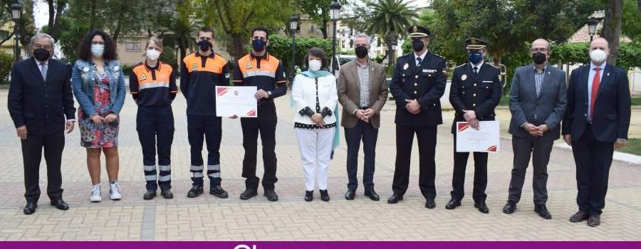 La Subdelegada del Gobierno entrega una mención especial a Protección Civil , Policía Local por su trabajo durante la pandemia
