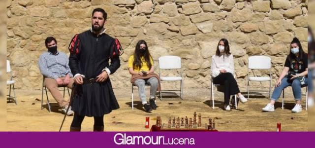 Se estrena «La Batalla de Lucena contada en un tablero de ajedrez» mezclando el microrrelato con experiencias turísticas en el Castillo del Moral