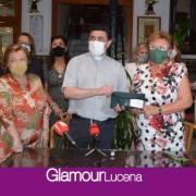 Mujeres en Igualdad entrega la recaudación del rastrillo solidario a la Parroquia de San Mateo